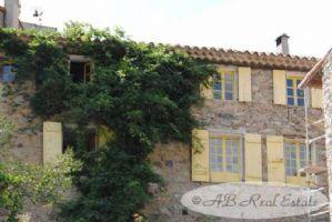 Grande maison de village confortable, 252m², 6 chambres dont 5 avec salle de bain, piscine