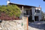 Villa traditionnelle avec grange à rénover sur beau de terrain de 1500 m².