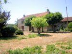 Bien immobilier en French property à vendre: Corps de Ferme avec Grand Terrain