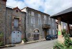 Maison Bourgeoise avec Tr�s Beaux Volumes - � R�nover Compl�tement - Gros Potentiel !