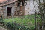 La petite maison dispose d'un jardin attenant