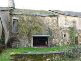 Grange A Amenager Sur Deux Niveaux Avec Jardin