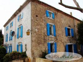 *** Nouveau Prix *** Unique ancien Moulin à eau du XVIIeme siècle, 335m² sur 3 niveaux, 5 chambres