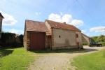 Cette maison se situe dans un hameau calme, sur le canton de Bonnat. Elle propose 60 m2 habitables