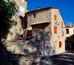 Charmante maison en pierres de 200 m² habitables avec terrasse et vue imprenable.