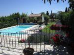 Belle villa maison d'hôtes de 280 m² habitables sur 2592 m² de terrain avec piscine.