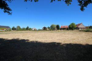 Beau terrain constructible de 6 385 m2, à quelques kilomètres de Châtelus-Malvaleix