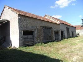 Grange avec petite maison a renover