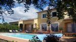 Spacieuse villa de 169 m² habitables sur 1083 m² avec piscine et vues imprenables.