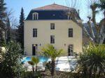 Extraordinaire maison de Maître avec 8 chambres sur son parc de 1360 m² avec piscine.