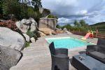Villa comprenant 2 appartements et 2 piscines