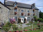 Maison bretonne en pierre avec gîte (proche Jugon-Les-Lacs)