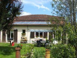 Maison avec grange et garage