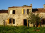 Bel Ensemble A Renover Maison + 3 Granges + Gd Terrain