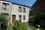Surface habitable : 72 m2 Chambres : 3 Terrain : 503 m2    Cette maison se situe à Bonnat