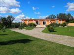 Villa de qualité de 170 m² habitables sur 3935 m² avec piscine intérieure et superbes vues.
