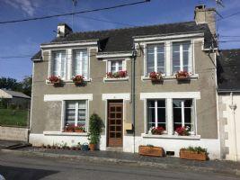 Jolie Maison de Bourg Rénovée 2/3 chambres