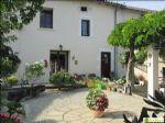 Joli cottage avec charmante terrasse avec pergola