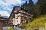 Studio « skis aux pieds » avec cave et balcon.