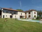 Belle maison Gasconne rénovée avec goût, piscine et dépendance