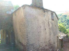 Petite maison de village à restaurer entièrement