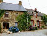 Meneac: charmant cottage de 4 chambres, ravissant jardin, piscine!