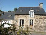 Secteur jugon: charmante maison en pierre avec ravissant jardin