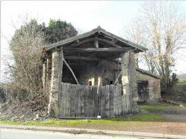 Réduit ! Belle vieille grange en pierre.