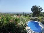 Impeccable villa avec piscine, superbe vue et à deux pas du centre village