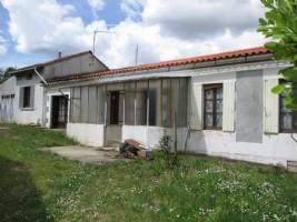 Beau potentiel pour cette maison à rénover.