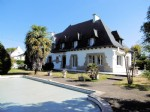 Brittany – Exquisite Detached Town Centre Home. 6 Bedrooms