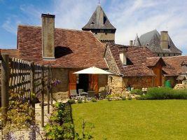 Deux superbes maisons ! Une maison du village et une grange en pierre, les deux entierement renovee