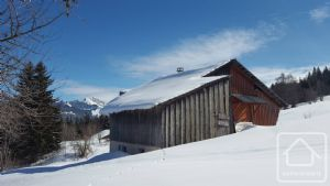 Fabuleuse occasion de devenir propriétaire d'une superbe maison à la montagne.