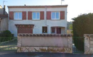 Villa à rafraîchir avec 4 chambres et appartement indépendant sur 823 m².