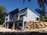 Belle villa contemporaine de 167 m² habitables sur 6675 m² de terrain et superbes vues.