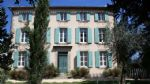 Magnifique manoir rénové avec 16 chambres sur 1679 m² avec piscine. Excellents revenus !