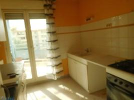 A vendre Appartement en résidence à SORGUES proche commodités.