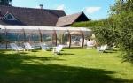 Propriété de 2 maisons avec piscine et jardin paysagé