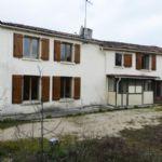Notre ref- AI4106 Ref - AI4106 Grande maison à rénover, avec garage et jardin  Spacieuse maison