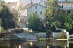 Maison de ville en pierre avec une vue à couper le souffle sur la rivière Charente