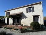 Maison de campagne en pierre - 4 chambres - gîte et piscine ? Charente