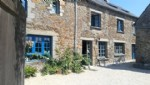 Centre bourg, belle maison familiale en pierres -7 chambres .