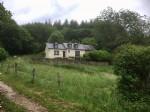 Belle maison de campagne elevee sur caves sur 2,2 ha, situee au calme avec tres belle vue