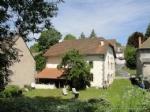 A vendre en Auvergne une maison de village entierement renovee avec cave et jardin
