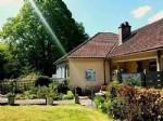 Cette maison est situee pres de Luzy (6 km)