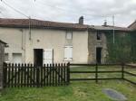 Bien immobilier en French property à vendre: Joli maison avec 2 salle douches et jardin.