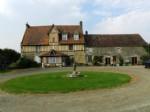 Belle maison de campagne du 16ème siècle, de nature équestre