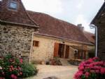 Dans un hameau, Beaucoup de caractere pour cette tres ancienne habitation, 110.50 m2 habitables