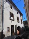 Ancienne maison vigneronne avec 3 chambres, grand garage et grenier.