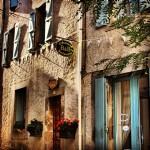 Maison historique, Chambre d'Hôte, 7 chambres, 5 salles de bains, cour, terrasses, caractère !